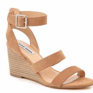 Steve Madden | Caley Beige Suede Wedge Sandals 8.5